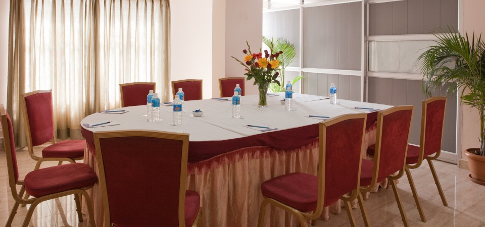 Banquet Hall: Raintree 3